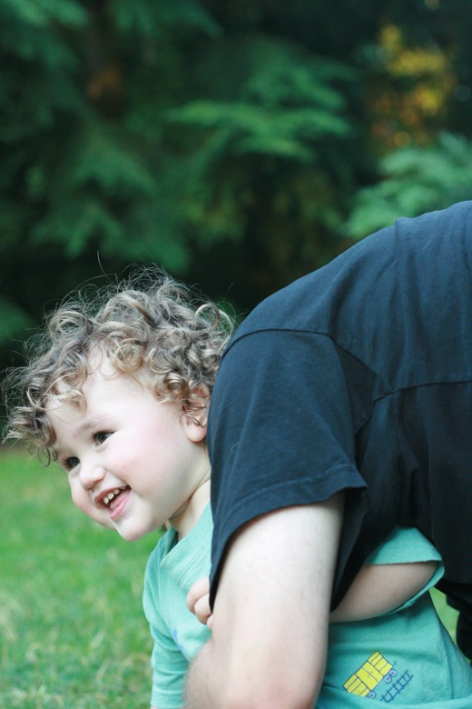 Roughhousing for wimps: 17 ideas for gentle physical play == Hobo Mama