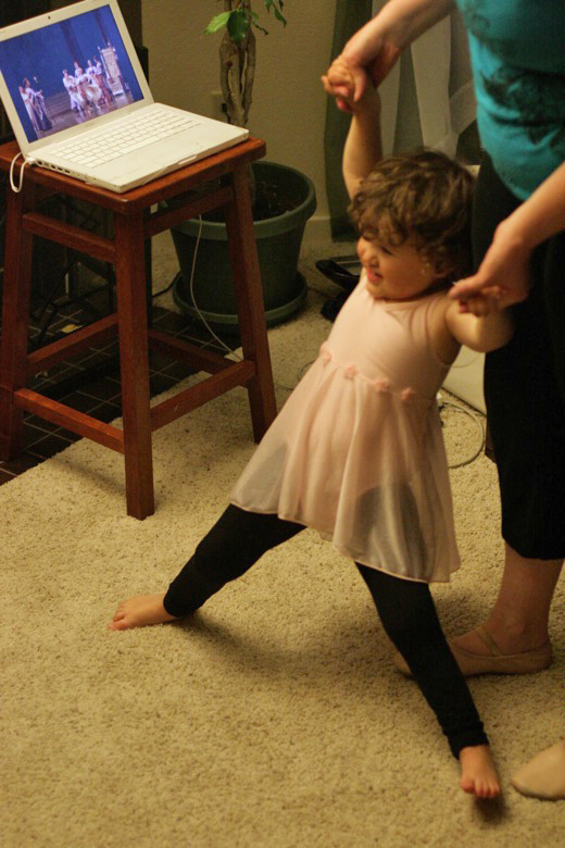 Prima Princessa ballet with toddler and mama splits