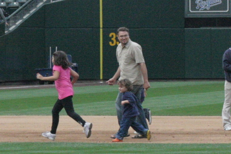 kids run around the bases