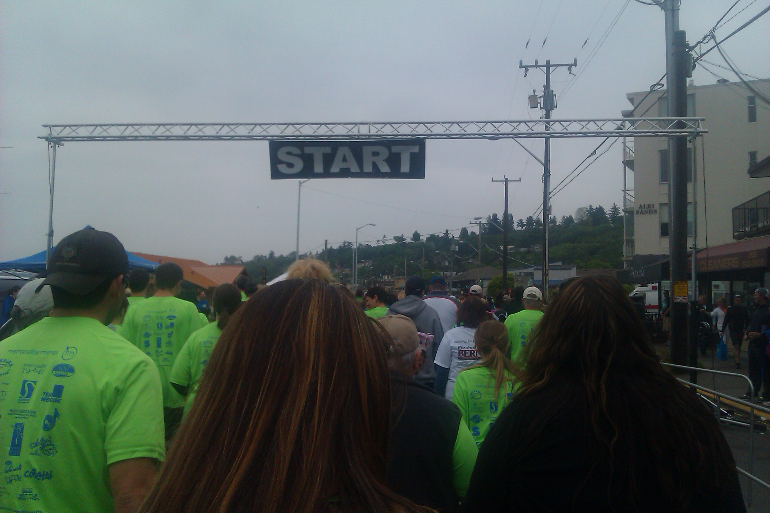 start line for West Seattle 5k race