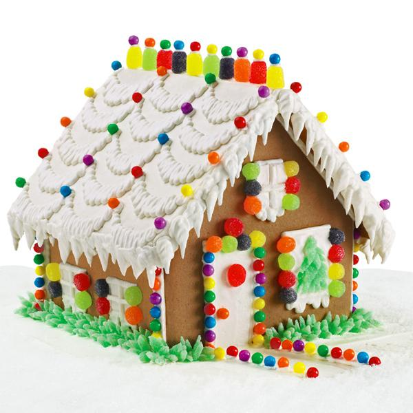 Charming Cottage Wilton gingerbread house